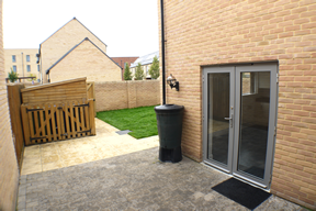 6 Argent Road courtyard