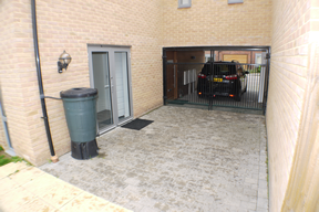 6 Argent Road courtyard parking