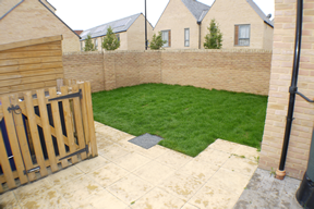6 Argent Road garden and patio