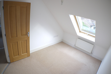 9 lanthorn stile rear double bedroom